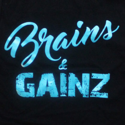 zwarte dames top met brains & gainz design in metallic blauw.